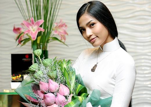 Trương Thị May nhận giải Mỹ nhân ăn chay hấp dẫn nhất châu Á 2014 - Tin sao Viet - Tin tuc sao Viet - Scandal sao Viet - Tin tuc cua Sao - Tin cua Sao