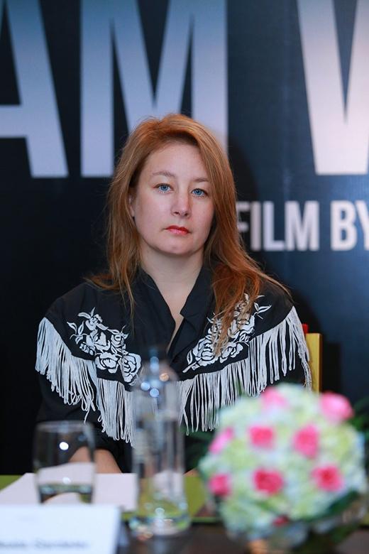 """Nữ đạo diễn người Thụy Điển - Beata Gardeler nổi tiếng với tác phẩm điện ảnh """"In Your Veins"""". Bộ phim đã mang lại thành công vang dội và là bước đột phá cho nam diễn viên Joel Kinnaman, dọn đường cho anh đến Hollywood. - Tin sao Viet - Tin tuc sao Viet - Scandal sao Viet - Tin tuc cua Sao - Tin cua Sao"""