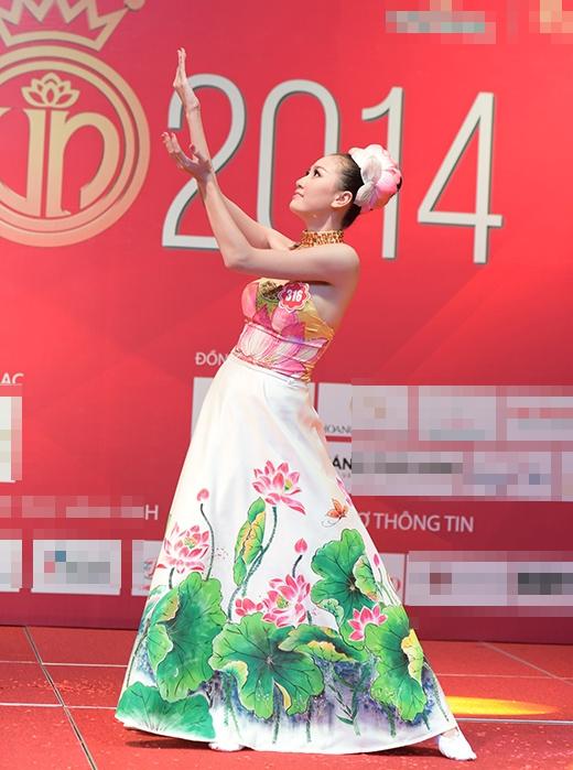 Các thí sinh Hoa hậu đầu tư công phu cho bài thi tài năng của mình