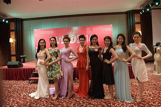 Và đây sẽ là đội hình trong phần thi phụ Người đẹp Biển cũng như trong đêm Chung kết