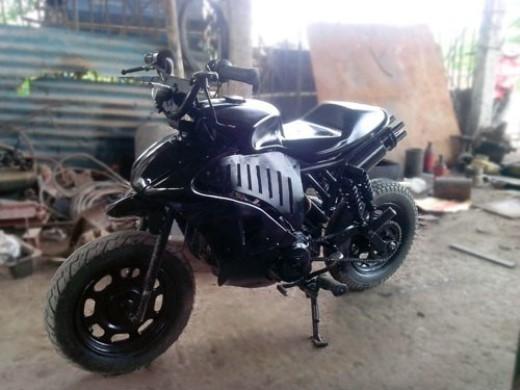 Mẫu xe mô tô tự chế mang tên Dark Night của Vũ Đức Thịnh.