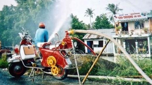 Xe cứu hỏa tự chế và ảnh chụp hoạt động của xe.
