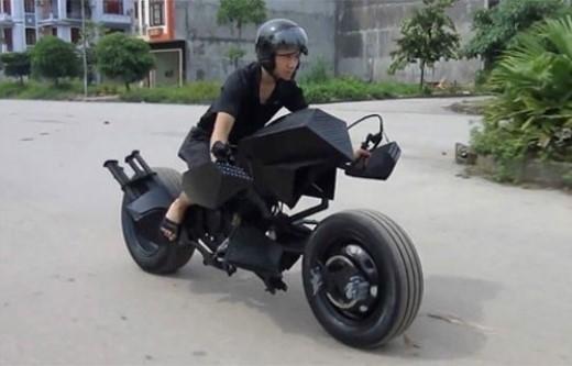 Xe Batman tự chế của chàng trai Việt.