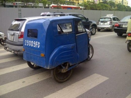 Chiếc xe có kiểu dáng ngộ nghĩnh.