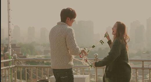 Yoona tình cảm 'vuốt tóc' Lee Min Ho trong quảng cáo mới