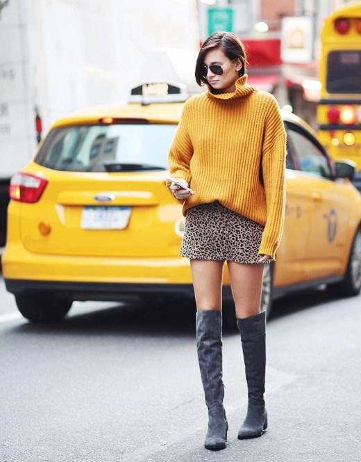 Double-sweaters - Hai lớp áo len có vẻ là một sự kết hợp không tồi nhỉ!  Một chút tươi tắn với áo len sắc màu sẽ giúp cho ngày đông của bạn trở nên vui vẻ, ấm áp hơn