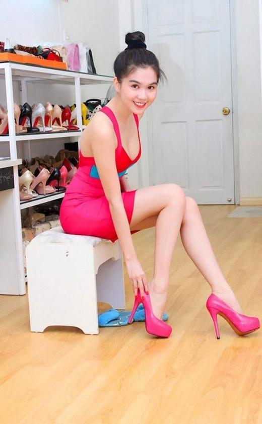 Tủ giày của Ngọc Trinh khiến nhiều người mơ ước. - Tin sao Viet - Tin tuc sao Viet - Scandal sao Viet - Tin tuc cua Sao - Tin cua Sao