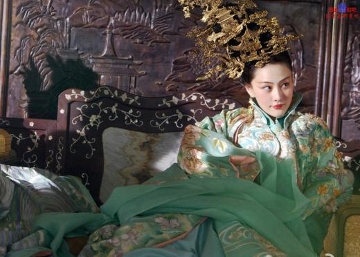 Ngắm Lý Mạc Sầu - Trương Hinh Dư xinh đẹp trong tạo hình cổ trang
