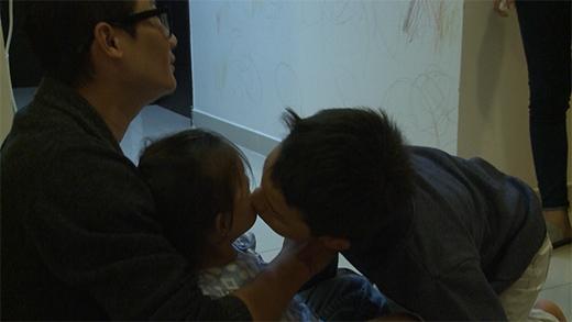 Tê Giác mừng rỡ khi được gặp lại mẹ và em gái - Tin sao Viet - Tin tuc sao Viet - Scandal sao Viet - Tin tuc cua Sao - Tin cua Sao