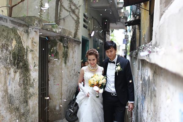 Cặp đôi cùng di chuyển về nhà trai để thực hiện nghi thức truyền thống - Tin sao Viet - Tin tuc sao Viet - Scandal sao Viet - Tin tuc cua Sao - Tin cua Sao