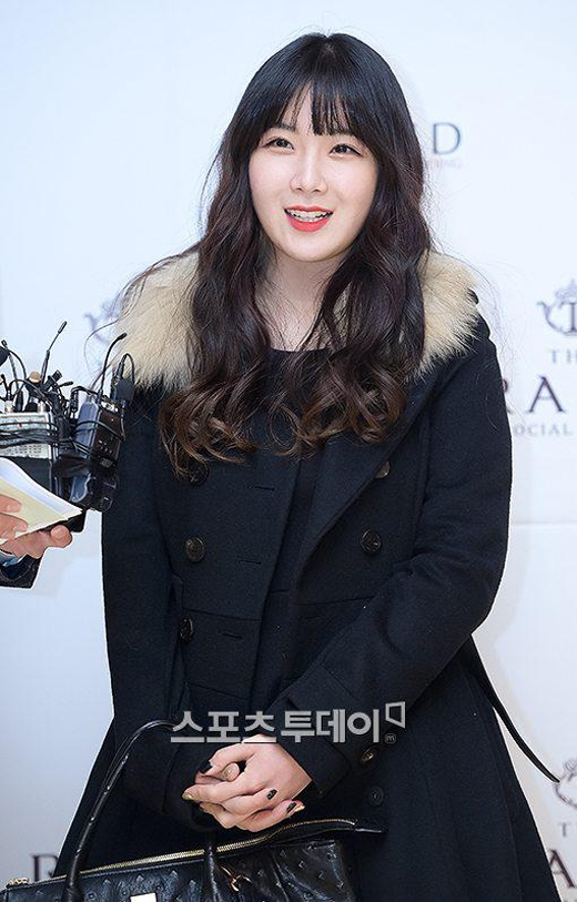 Hyunyoung (Rainbow)