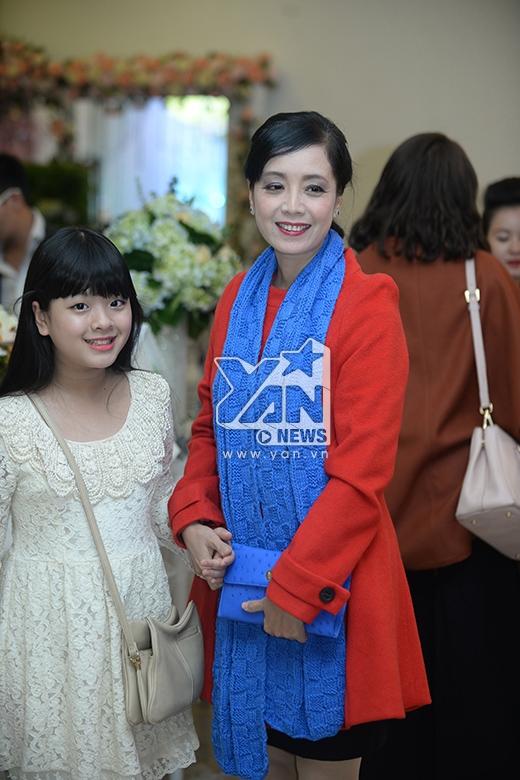 Diễn viên Chiều Xuân và con gái Hồng Khanh - Tin sao Viet - Tin tuc sao Viet - Scandal sao Viet - Tin tuc cua Sao - Tin cua Sao