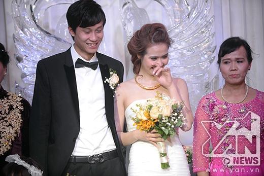Cô dâu Huyền Lizzie xúc động - Tin sao Viet - Tin tuc sao Viet - Scandal sao Viet - Tin tuc cua Sao - Tin cua Sao