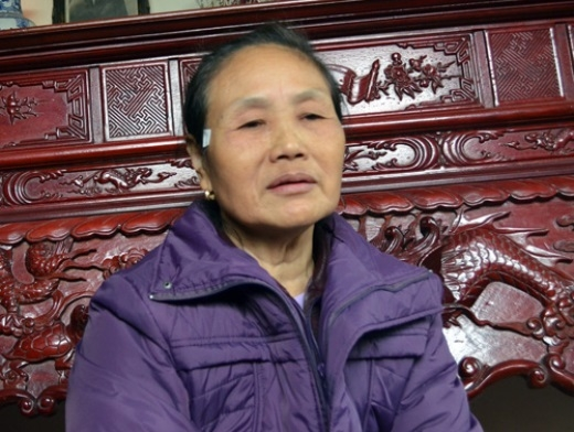 Bà Chu Thị Lữ, 57 tuổi, bà nội cháu Hằng