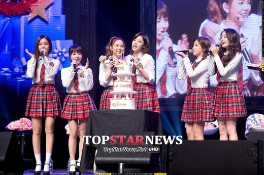 T-ara và các fan mừng sinh nhật Eunjung và Qri