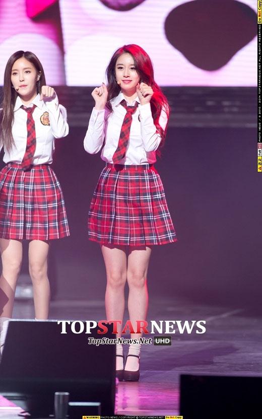 T-ara hóa 6 cô học sinh nhí nhảnh trong buổi họp fan