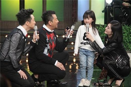 Sau Happy Camp, Điềm Điềm còn được tham gia show Hi! 2014