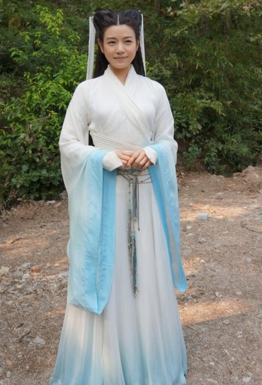 Trần Nghiên Hy nhịn ăn muối suốt 4 tháng để làm Tiểu Long Nữ