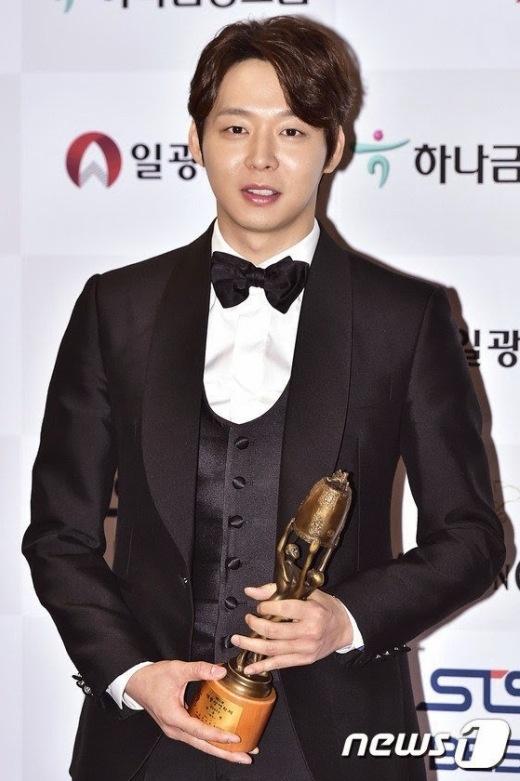 """Top 5 mỹ nam """"khuynh đảo"""" làng phim Hàn năm 2014"""