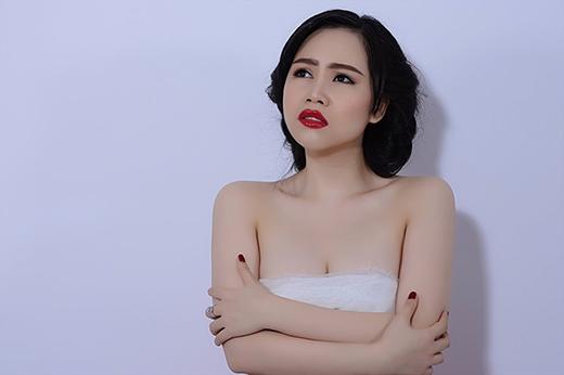 Nữ diễn viên thừa nhận từng nâng ngực