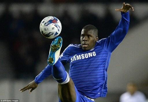 Trong bài phát biểu sau trận, HLV Jose Mourinho cho biết Zouma chỉ bị choáng và đã tỉnh lại sau đó không lâu. Đây là trận thứ 7 cựu sao mai St Etienne ra sân tại giải năm nay. Trong trận gặp Sporting Lisbon tại Champions League giữa tuần trước, Zouma chơi trọn 90 phút.