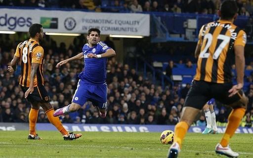 Diego Costa của Chelsea (gặp Hull City, 13/12/2014). Tiền đạo người Tây Ban Nha lần thứ hai ở mùa giải này phải nhận thẻ vàng vì tội ngã vờ, khi anh bổ nhào xuống quá dễ dàng trong trận đấu với Hull.