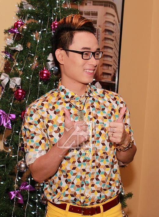 Thu Minh quậy nhiệt tình trong tiệc Giáng Sinh sớm - Tin sao Viet - Tin tuc sao Viet - Scandal sao Viet - Tin tuc cua Sao - Tin cua Sao