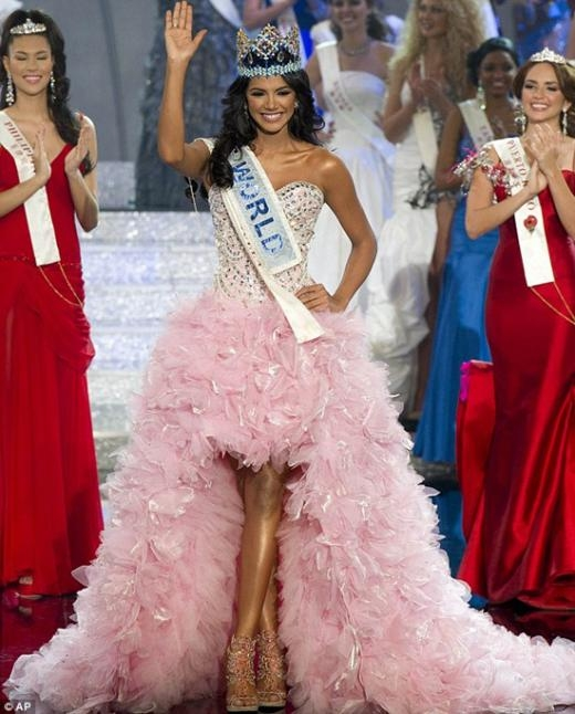 Hoa hậu Thế giới 2011 - Ivan Sarcos