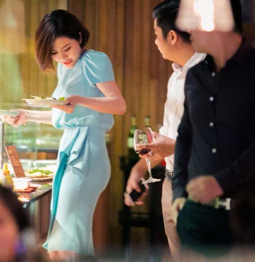 Diễn viên Vân Trang chia sẻ gần đây rằng, cô vừa trở về tình trạng độc thân sau 7 năm dành quá nhiều thời gian cho chuyện tình cảm. Cô tìm thấy nhiều niềm vui bên gia đình, bè bạn, sống tự chủ và độc lập. - Tin sao Viet - Tin tuc sao Viet - Scandal sao Viet - Tin tuc cua Sao - Tin cua Sao