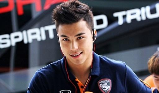 Hot boy tuyển Thái Lan được ví như Ronaldo