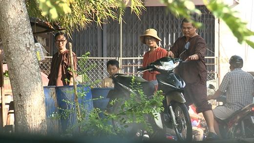 Hoàng Bách và Minh Khang lại đi rửa xe thuê - Tin sao Viet - Tin tuc sao Viet - Scandal sao Viet - Tin tuc cua Sao - Tin cua Sao