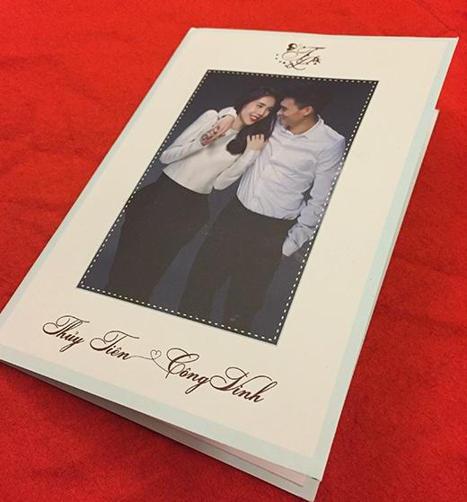 Thiệp cưới được thiết kế khá giản dị - Tin sao Viet - Tin tuc sao Viet - Scandal sao Viet - Tin tuc cua Sao - Tin cua Sao