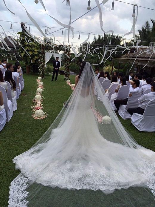 Hé lộ thiệp cưới giản dị của Thủy Tiên - Công Vinh - Tin sao Viet - Tin tuc sao Viet - Scandal sao Viet - Tin tuc cua Sao - Tin cua Sao