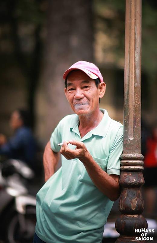 Ông là người gốc Hoa, sinh ra và lớn lên ở quận 5. Cuộc sống Sài Gòn giờ thay đổi nhiều lắm, thành phố năng động hơn, vội vã hơn, xô bồ hơn. Nhưng thay đổi lớn nhất là con người, con người bây giờ sống nhanh quá. Trước đây họ đằm thắm, quan tâm đến nhau hơn nhiều.