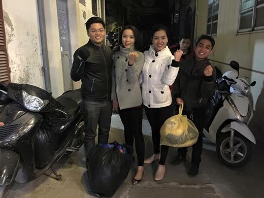 Kỳ Duyên giản dị đi từ thiện - Tin sao Viet - Tin tuc sao Viet - Scandal sao Viet - Tin tuc cua Sao - Tin cua Sao