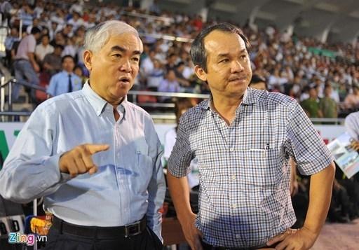 Chủ tịch VFF Lê Hùng Dũng ngợi ca lứa U19 là đứa con ngoan, đậu đại học Havard. Ảnh: Tùng Lê