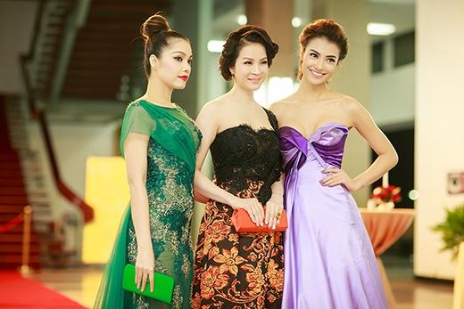 MC Thanh Mai khoe sắc trẻ trung bên Hồng Quế - Tin sao Viet - Tin tuc sao Viet - Scandal sao Viet - Tin tuc cua Sao - Tin cua Sao