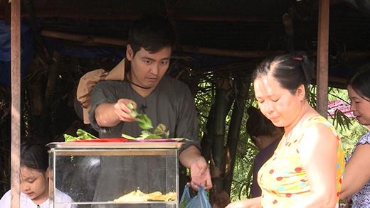 MC Phan Anh đi bán bánh xèo - Tin sao Viet - Tin tuc sao Viet - Scandal sao Viet - Tin tuc cua Sao - Tin cua Sao