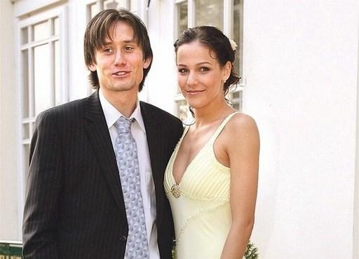 Tiền vệ Rosicky tự hào khi bà xã từng là á hậu Séc năm 2002.