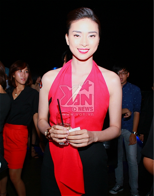 Ngô Thanh Vân tươi rói lãnh giải nghệ sỹ Tinh Hoa - Tin sao Viet - Tin tuc sao Viet - Scandal sao Viet - Tin tuc cua Sao - Tin cua Sao