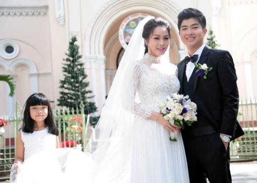 Nhật Kim Anh cùng chồng tổ chức lễ ra mắt tại nhà thờ - Tin sao Viet - Tin tuc sao Viet - Scandal sao Viet - Tin tuc cua Sao - Tin cua Sao