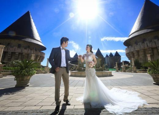 Nhật Kim Anh diện soiree trắng thướt tha, chụp ảnh cưới cũng ông xã Bửu Lộc. - Tin sao Viet - Tin tuc sao Viet - Scandal sao Viet - Tin tuc cua Sao - Tin cua Sao