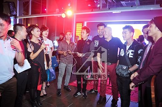 """Sao Việt """"vui bùng nổ"""" mừng sinh nhật YAN News 2 tuổi - Tin sao Viet - Tin tuc sao Viet - Scandal sao Viet - Tin tuc cua Sao - Tin cua Sao"""
