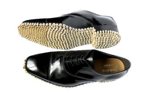 12 mẫu giày kì lạ nhất thế giới sẽ khiến bạn phải kinh ngạc