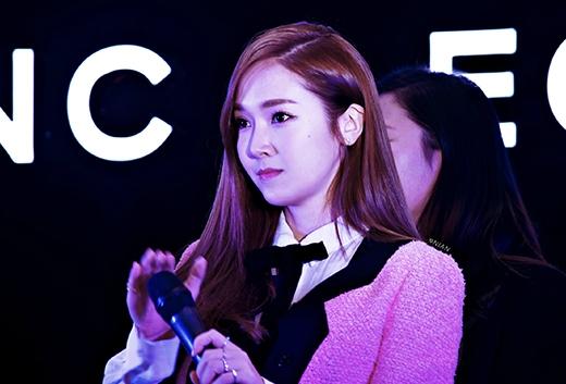 Jessica phủ nhận tin đồn sống cùng Tyler Kwon