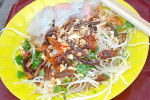 5 món đường phố chế biến từ thịt bò không thể bỏ qua khi đến Hà Nội