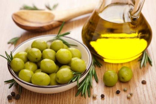 Nuôi dưỡng tóc với dầu olive