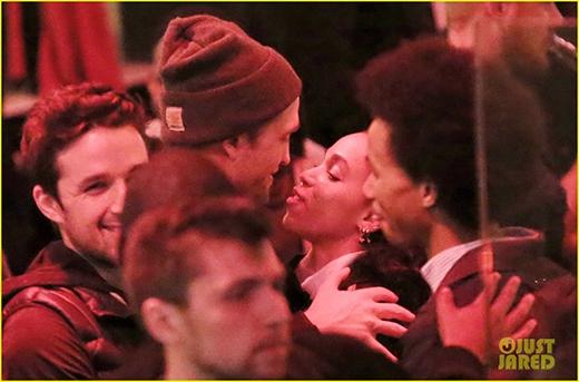 """Robert Pattinson hẹn hò để """"chọc tức"""" Kristen Stewart"""