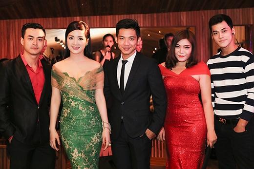 Nữ ca sĩ Xuân Nghi cũng có mặt - Tin sao Viet - Tin tuc sao Viet - Scandal sao Viet - Tin tuc cua Sao - Tin cua Sao