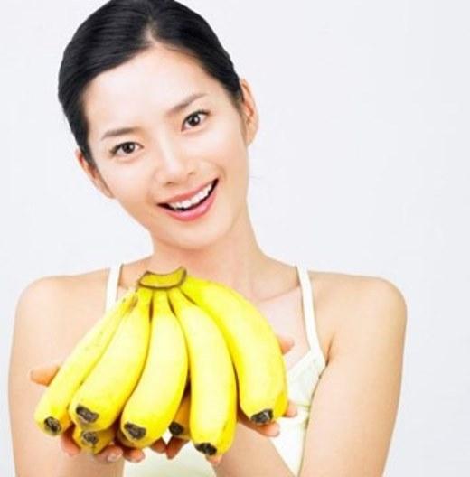 Do vậy, bạn đừng ăn quá nhiều chuối mỗi ngày để tránh tình trạng thừa kali trong cơ thể, gây ảnh hưởng không tốt cho sức khỏe nhé.
